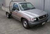 HILUX 2WD TRAYBACK (vehicle without rear bumper step)