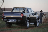 TRITON 2WD and 4WD DUALCAB UTE (vehicle with rear bumper step fitted)