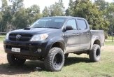 HILUX 4wd STYLESIDE UTE (vehicle without rear bumper step) and OVERSIZE SPARE WHEEL